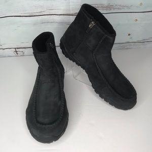 Teva black suede fleece lined ankle boot, size 10